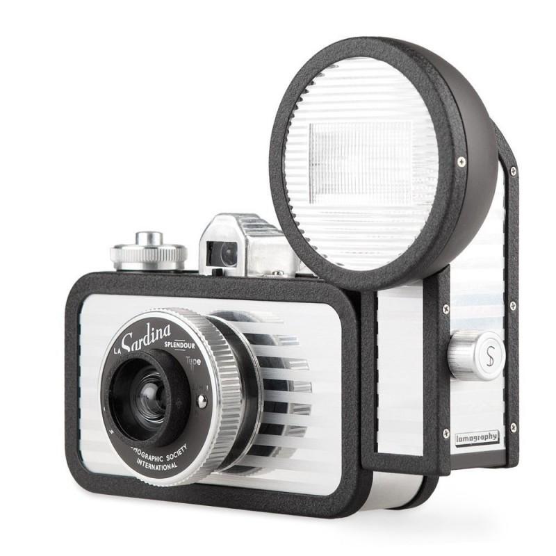 Fuji Instax Wide 300 + 20 foto l'alternativa a polaroid da Fujifilm
