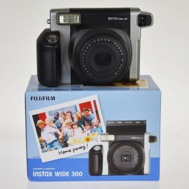 Fuji film  Instax 210 l'alternativa economica a polaroid