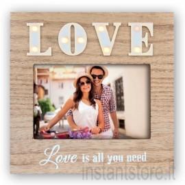 Cornice portafoto in legno retroilluminata con scritta Love 10x15