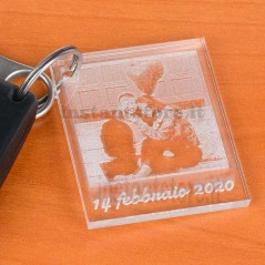 Portachiavi personalizzato con fotoincisione in plexiglass tipo foto polaroid
