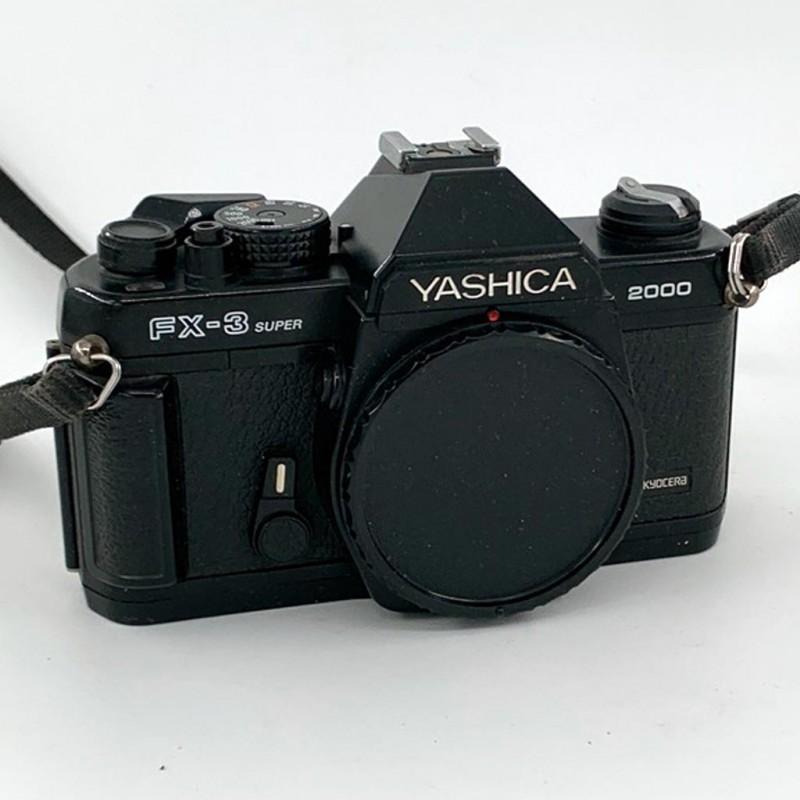 Yashica fx-3 super 2000 fotocamera a pellicola 35mm perfettamente funzionante