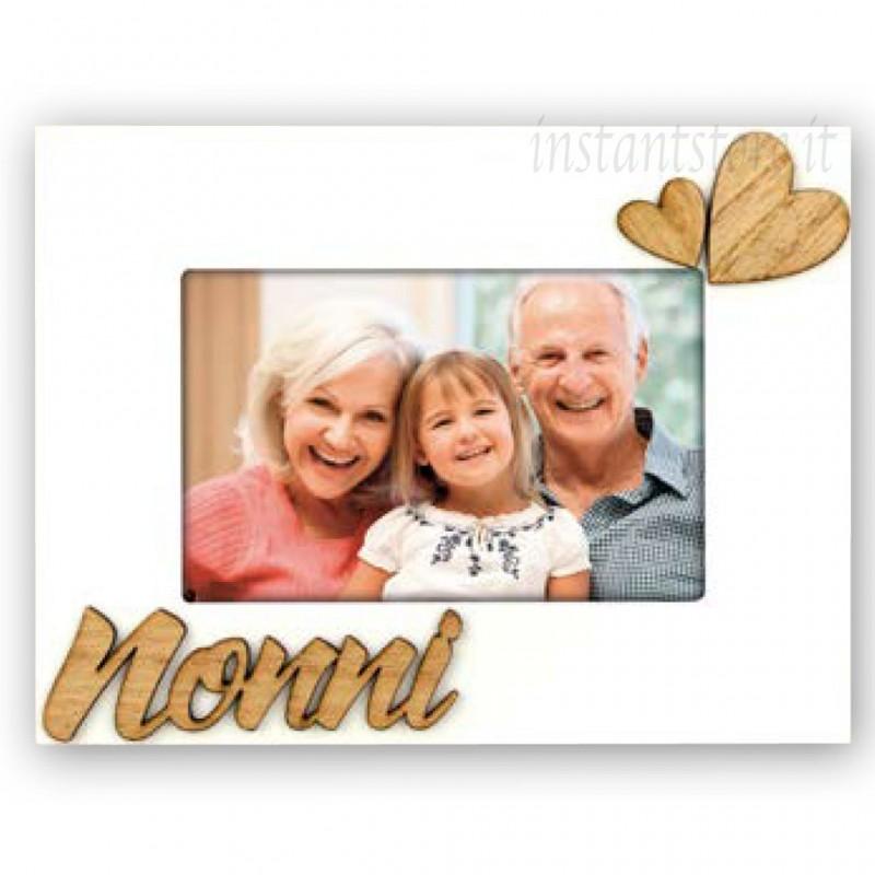 Cornice portafoto in legno 10x15 con scritta Nonni e cuore in rilievo