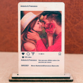Targa stile Instagram personalizzata con foto scritte e like su legno