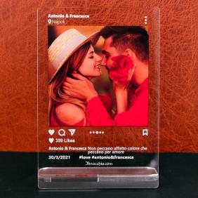 Targa stile Instagram personalizzata con foto scritte e like su plexiglass